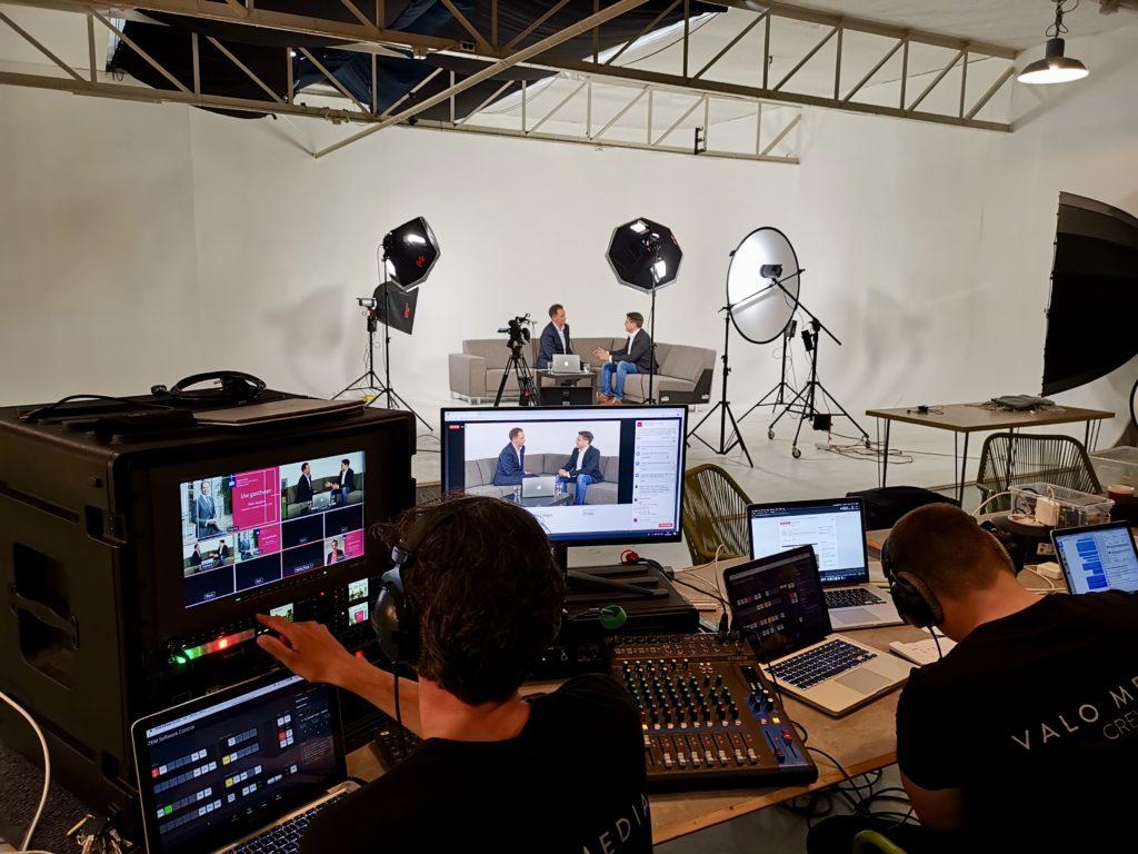 Behind the scenes vanuit de studio
