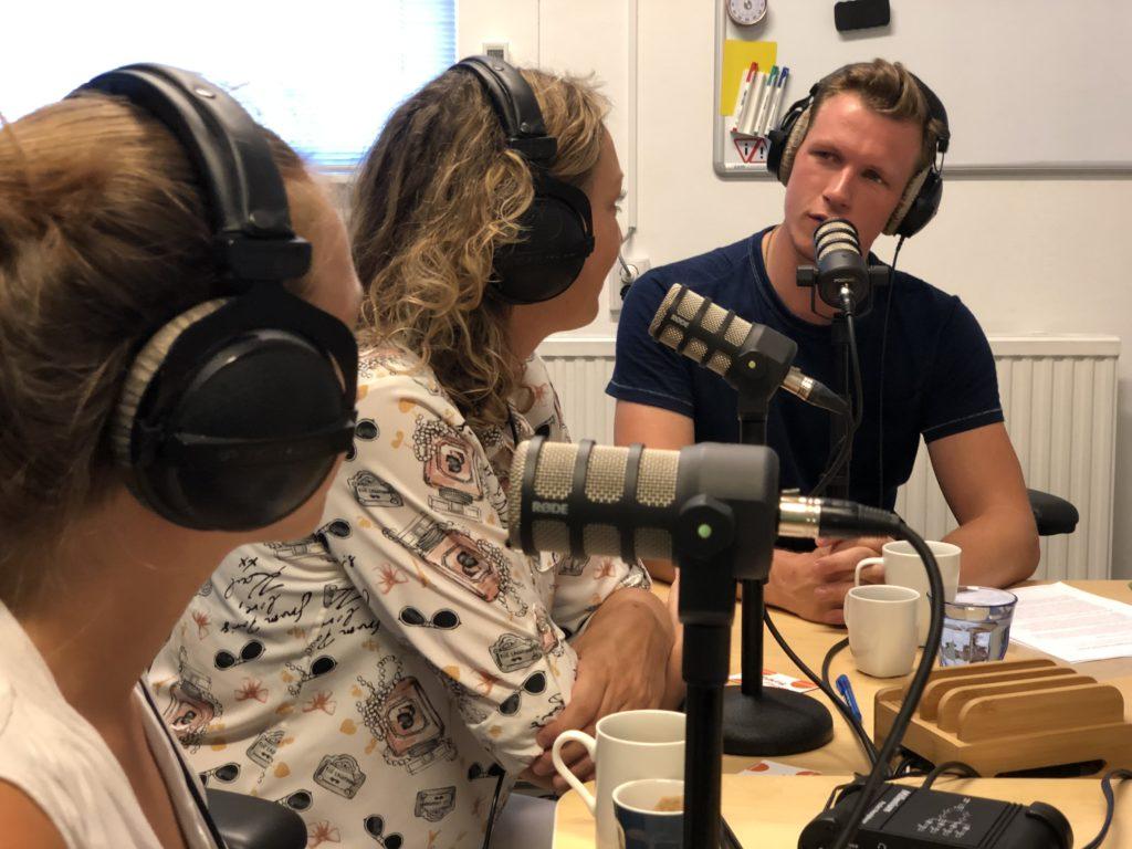 Jasper van Staveren interviewt een gast